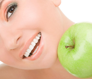 Glendale general dentist offers attractive cavity solutions